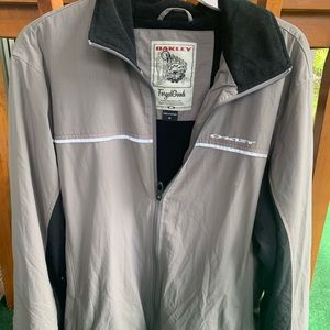 Men's Oakley Jacket Medium